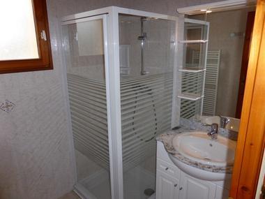 Salle d'eau Meublé M.GREGOIRE J L St jean St Nicolas