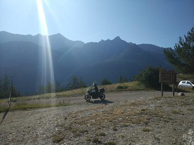 Moto au Pas du Loup