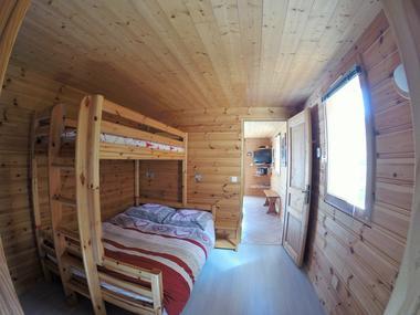 aussois-le-croe-location-meublee-gleizal-chambre-sejour