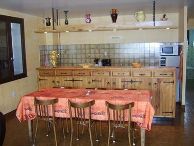 Séjour Cuisine Meublé Mme JAUSSAUD Location St Laurent du Cros