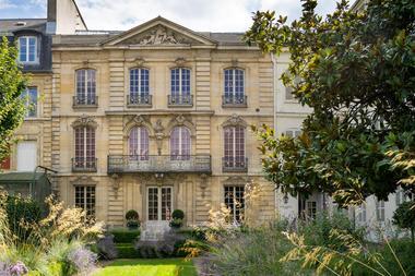 Mairie de Versailles N. Borel