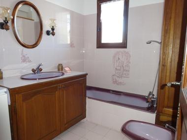 Salle de bain Meublé Mme CESMAT D Location Ancelle