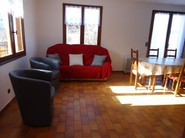 Salon Meublé Mme CESMAT D Location Ancelle