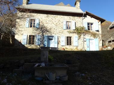 Maison Meublé Mme BEGUIN H Champoléon