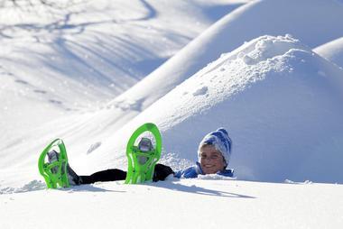 Raquettes à neige station familiale de St Léger les Mélèzes
