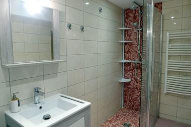 champagne 52 bricon gite vautry salle de bain.