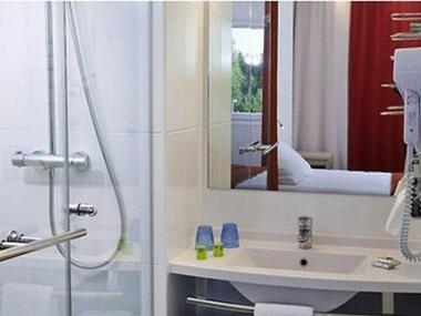 champagne 52 saint dizier ibis styles salle de bain.