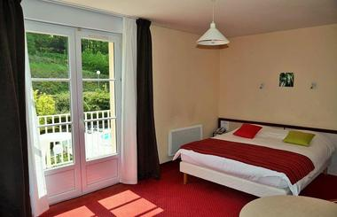 champagne 52 bourbonne les bains hotel orfeuil chambre cote  jardin 1.