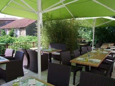champagne 52 andelot hotel le cantarel terrasse 3230.