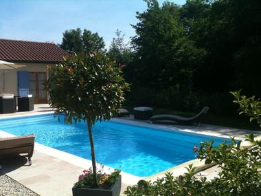 champagne 52 colombey les deux eglises la grange du relais piscine 3050.