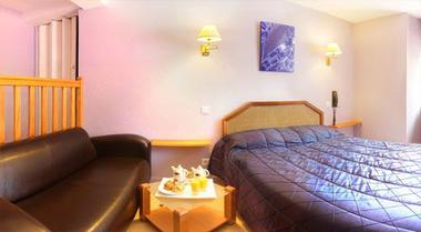 champagne 52 chaumont chamarandes hotel au rendez vous des amis chambre.