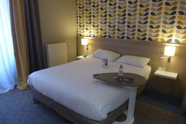 champagne 52 chaumont hotel ibis styles chambre 870.