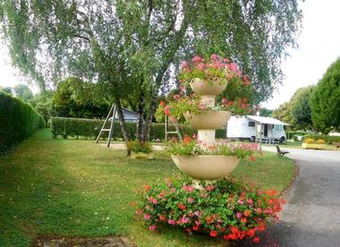 champagne 52 bourbonne les bains camping montmorency 23.