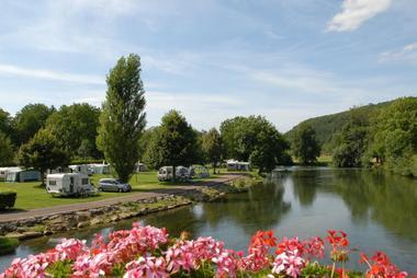 champagne 52 vouecourt camping interieur riviere emplacements.