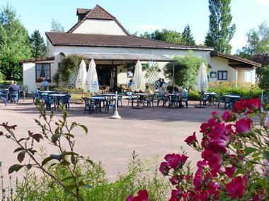champagne 52 bannes camping hautoreille reception terrasse 94.