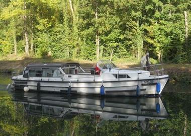 champagne 52 chamouilley marne plaisance bateau c3 a9toile 2.