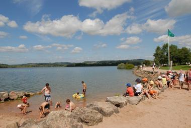 champagne 52 loisirs lac de la liez baignade plage phl 9854.