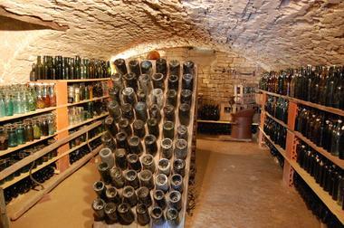 champagne 52 mandres la cote decouvertes ferme d antan cave a bouteilles claude roze.