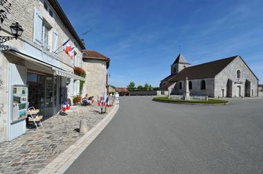 champagne 52 colombey patrimoine histoire village eglise phl 1036.