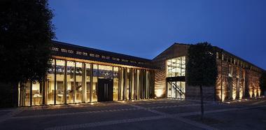 Olivier Saillant manufacture façade extérieur nuit9957©caussegantier