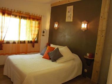 Chambre avec salle de bain privée - Gîte en AVEYRON