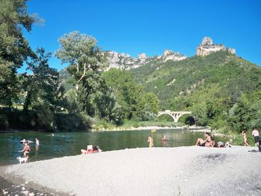 Plage confluent Jonte/Tarn Camping Brudy-Brudy Plage**