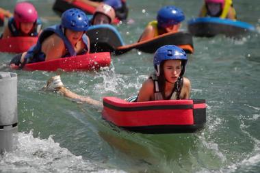 Des activités d'eaux vives pour tous les âges à Millau