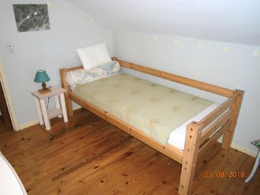 Gîte le Cigalon Chambre 3 lit 90 à l'étage
