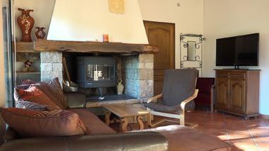 Salon - Gîte La Maison sous les Pins en Aveyron