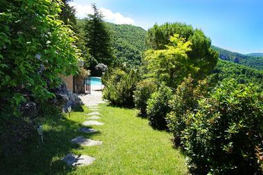 jardin privatif et piscine