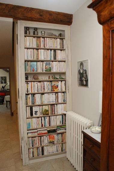 La bibliotheque du 1er étage