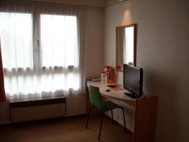 champagne 52 saint dizier hotel ibis classique chambre 4.