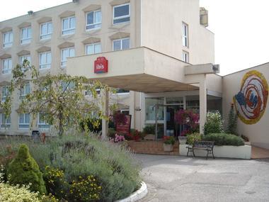 champagne 52 saint dizier hotel ibis classique facade 1.