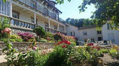 champagne 52 bourbonne les bains hotel pension gerard jardin 1.