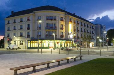 champagne 52 chaumont hotel terminus reine facade facade 2.
