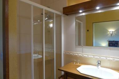 chambre hotes haute marne clinchamp 52g561 salle bain 2.