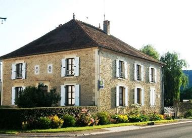 chambre hote haute marne nully 52g572.