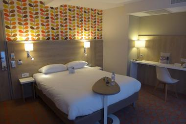 champagne 52 chaumont hotel ibis styles chambre 785.