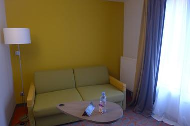 champagne 52 chaumont hotel ibis styles chambre 809.