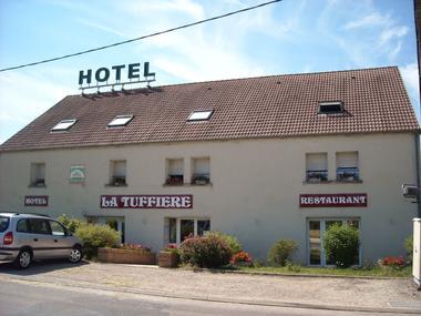 champagne 52 rolampont hotel la tuffiere facade.