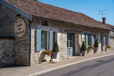 champagne 52 restaurant colombey les deux eglises la table du general facade 0521.