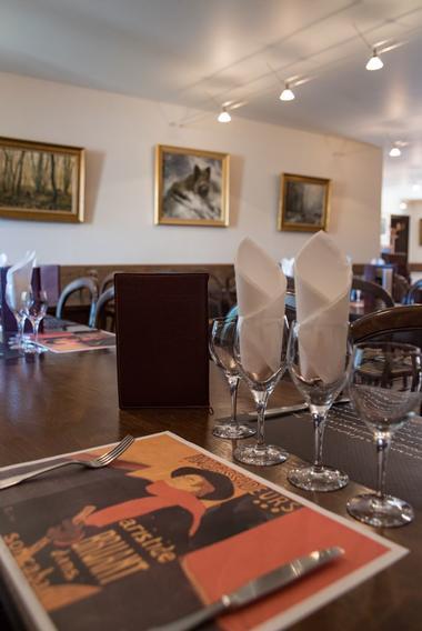 champagne 52 restaurant colombey les deux eglises la table du general restaurant 0540.
