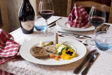 champagne 52 villiers sur suize auberge de  la fontaine restaurant plat.