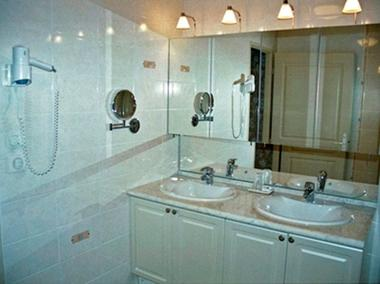 chambre hote haute marne pressigny 52g587 salle de bain romantique.