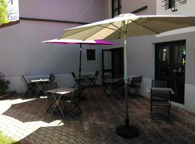 champagne 52 langres hotel inn design terrasse.