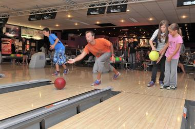 champagne 52 loisirs bowling le strike chaumont phl 2723.