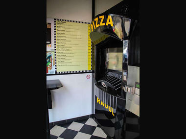 Distributeur-automatique-de-pizza-fraîche-raoul-restauration-Malestroit-3_1