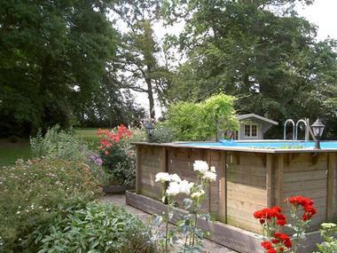 Gîte du Clyo, piscine chauffée dans son parc paysager - Caro - Morbihan - Bretagne