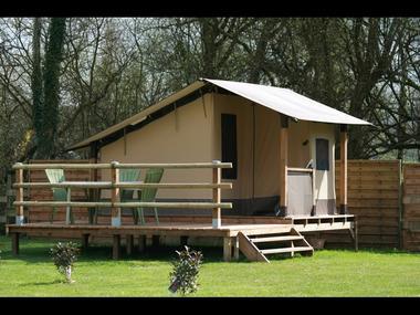 Tente lodge Baléares-Hébergement insolite-Domaine du Roc-Brocéliande-Morbihan