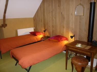 Terre Compagne - chambre familiale salon en mode lits simples